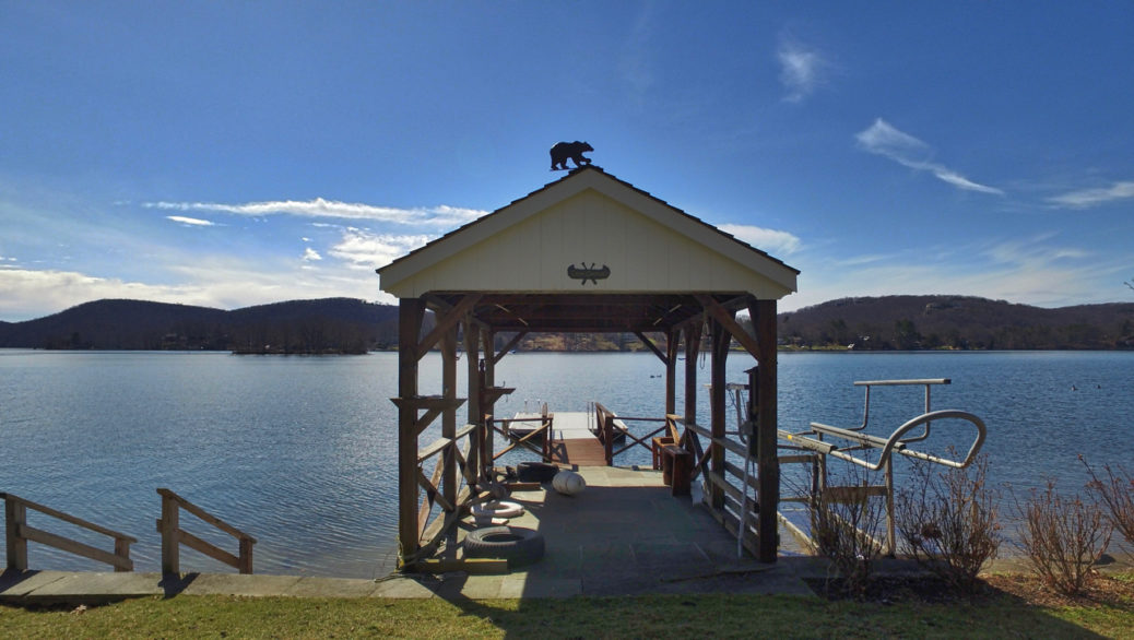 100 Arrowhead Candlewood Lake