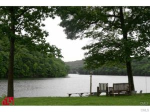 Lake Zoar – 310 Great Quarter Road Newtown, Ct 06482